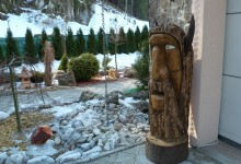 sochy z dreva