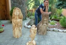 Drevené sochy do záhrady