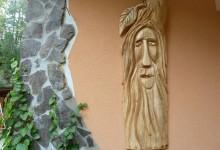 drevený relief