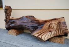 Lavica z dreva,umelecky spracovaná