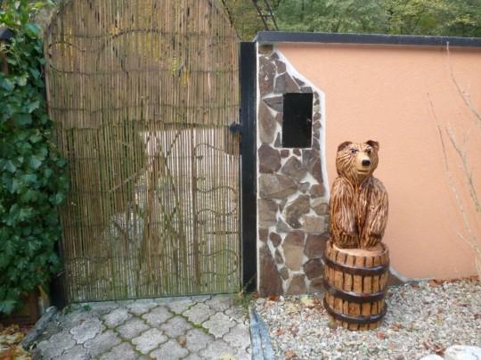 drevený medveď