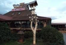 Drevený reklamný pútač