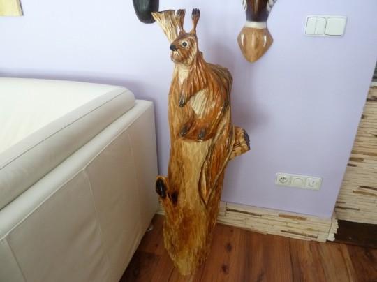 drevená veverička