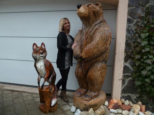 drevená líška s medveďom