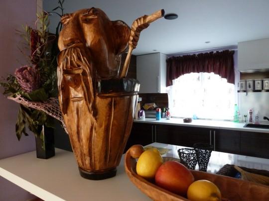 drevený chlapík v drinku