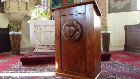 drevená kazateľňa