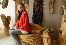 Drevená lavica umelecká do záhrady