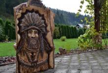 Drevený obraz aljašskeho zálesáka
