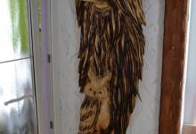Drevený reliéf na stenu