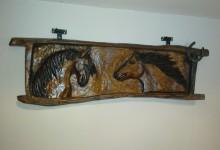 Drevený obraz kone
