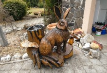 Drevená socha zajac