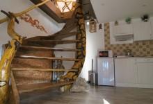 Drevené schodisko samonosné
