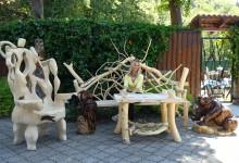 Drevené lavice a stoly