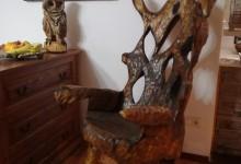 Drevené hojdacie kreslo