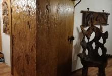 Drevená skriňa do interieru