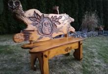 Drevená lavička do záhrady