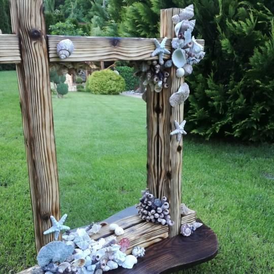 Krásne drevené zrkadlo,kartáčované a zdobené mušľami