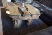 Konferenčný stolík z orechového dreva (70×70)