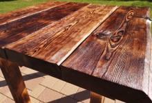 Jedálenský stôl z červeného smreku
