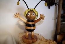Včielka Maja z čerešne
