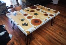 Epoxidový konferenčný stolík