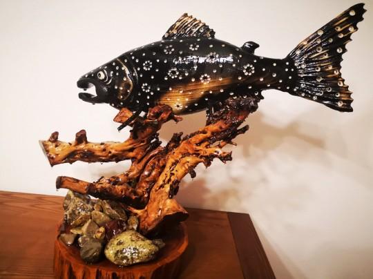 Drevená sculptura ryba